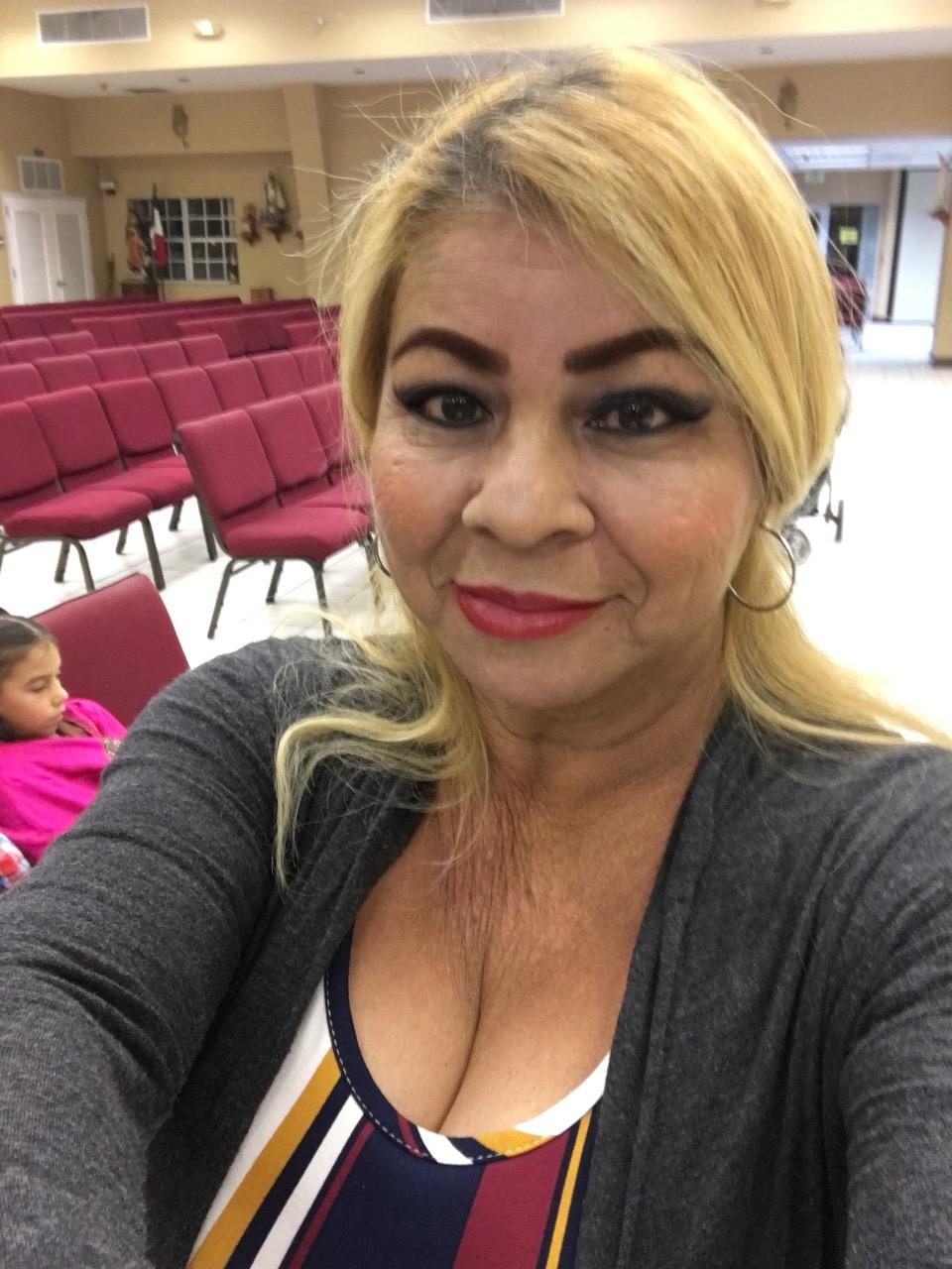 Rosa Coronado's avatar