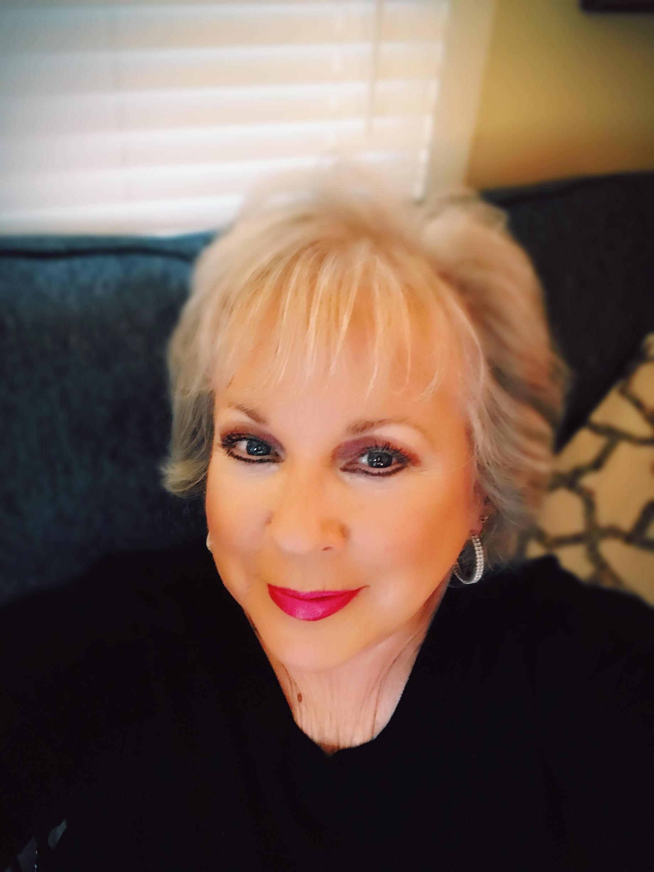 Debra Lawrence's avatar