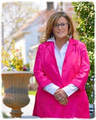 Lisa Dastuto's avatar